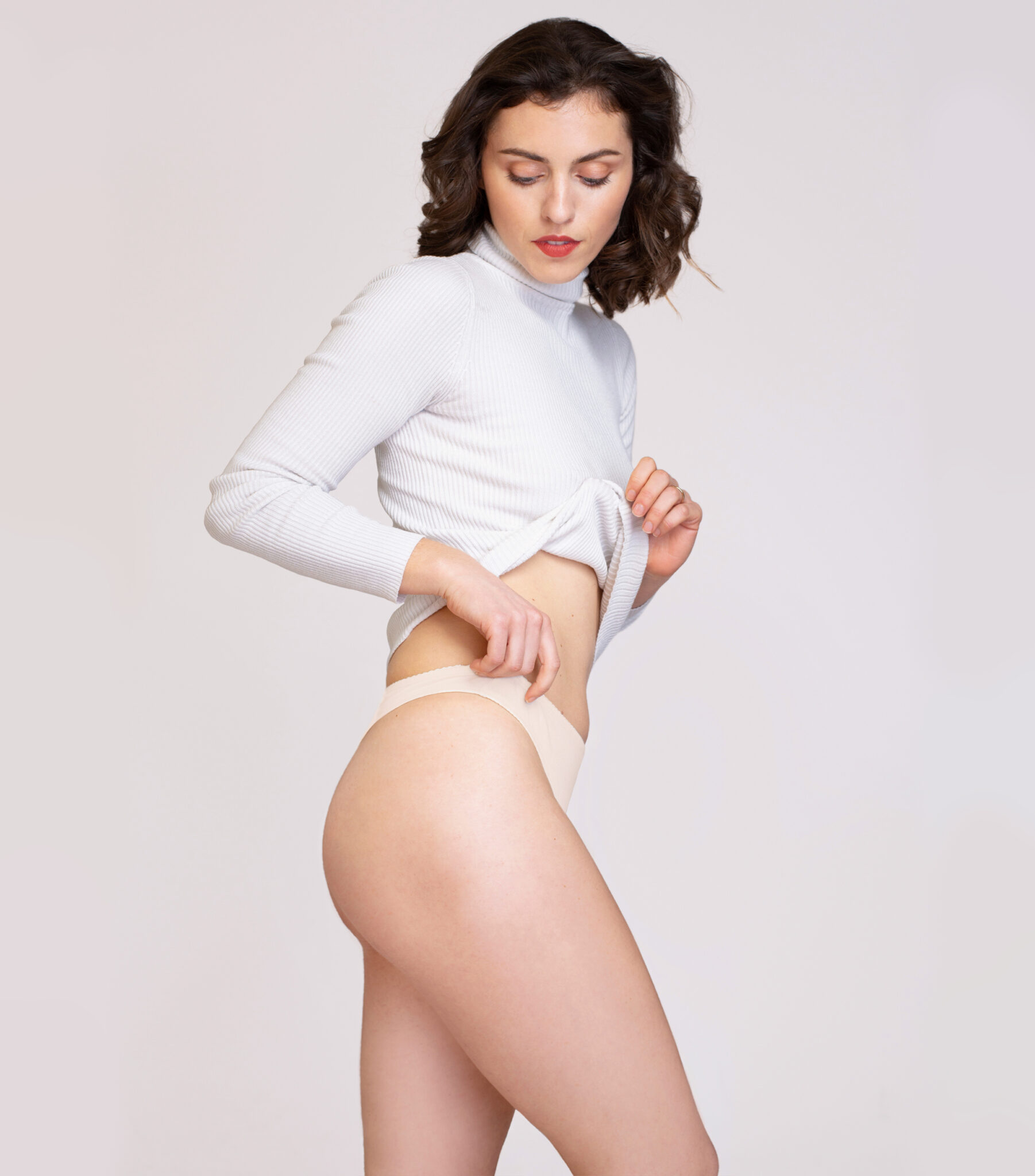 Béžové tangá zo 100% organickej nefarbenej bavlny